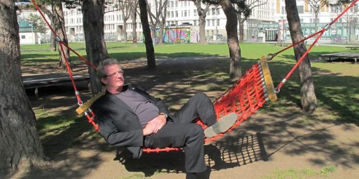 Hängematten Regelbetrieb mit Bezirksvorsteher Kurt WImmer